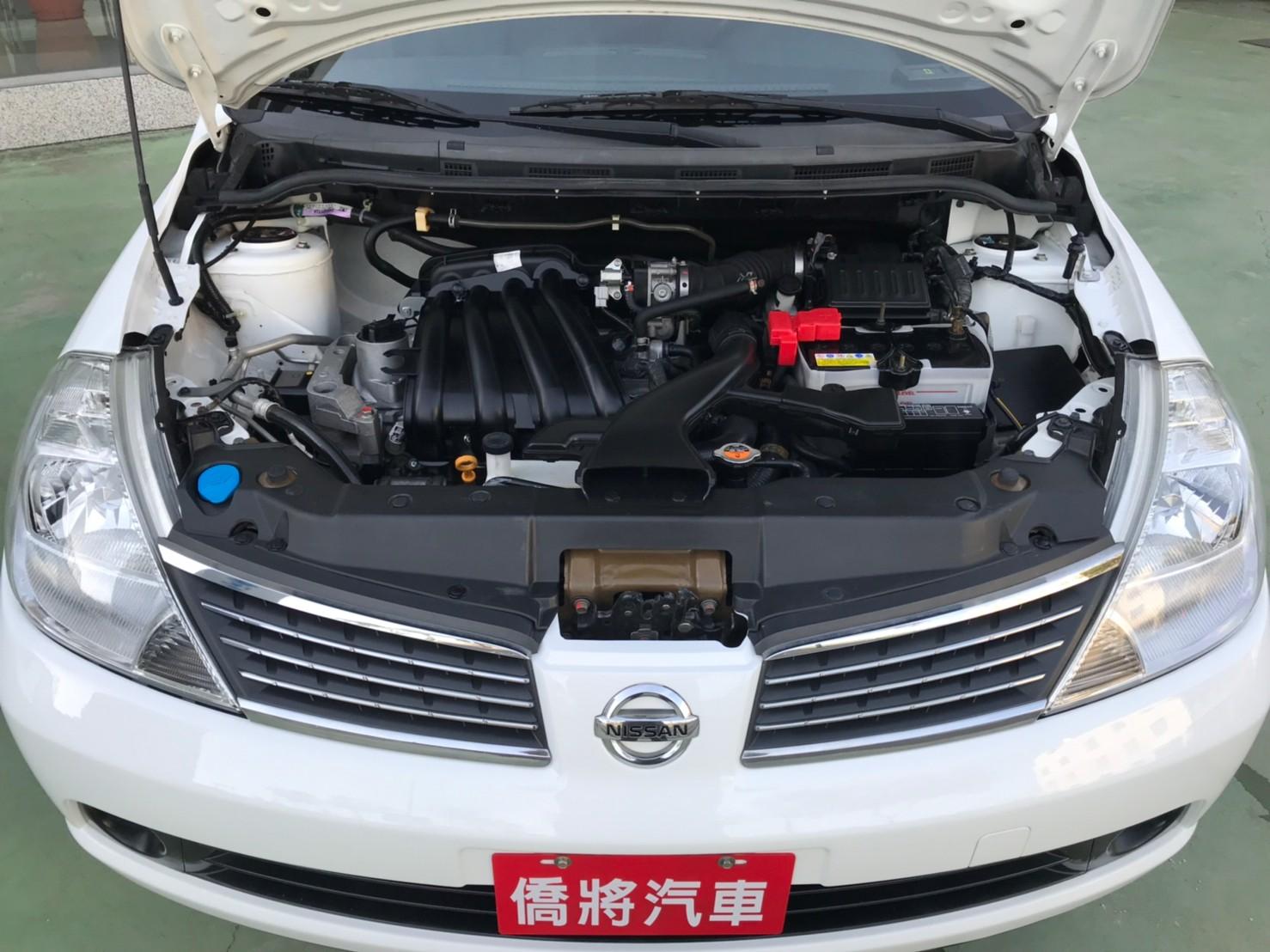 2017TIIDA 4D 里程保證 認證車 白色黑內裝 代步上課通勤好停車 SUM29.8 1.6c_210615_4