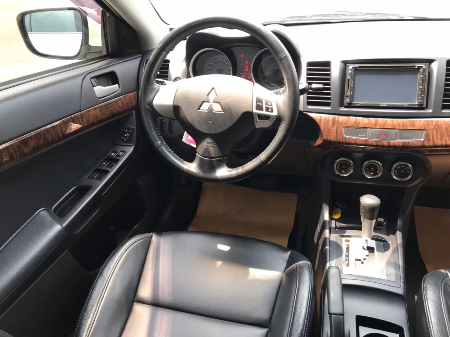 2010年FORTIS白1.8 SUM24.8實跑7萬 一手女用車 i-KEY 3安 定速 倒車影像_210523_5
