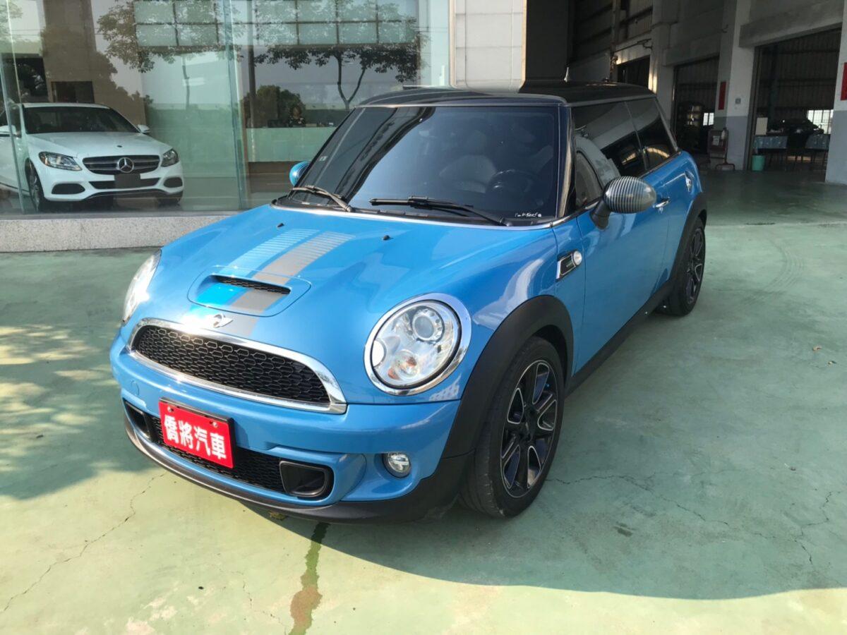 LINE_ALBUM_20129 特仕版COOPER S。17吋鋁圈。雙排氣尾管 保證一手女用車  夢想玩具車 59.9_210919_9